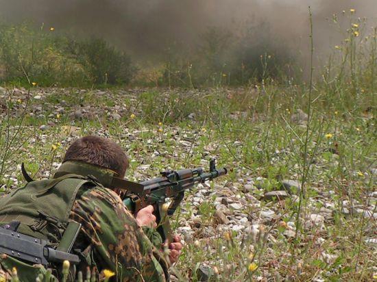 ДНР вводит военное положение в Донецке и собирает контрактную армию