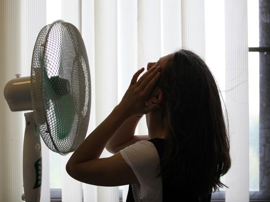 Как борются с жарой в московских офисах: судьям помогла Евгения Васильева