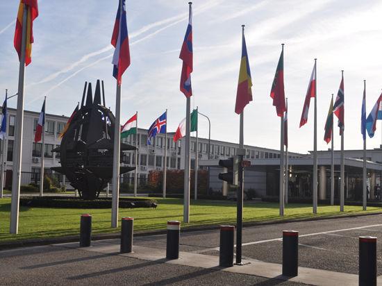 Главком НАТО: русские не сунутся на Украину