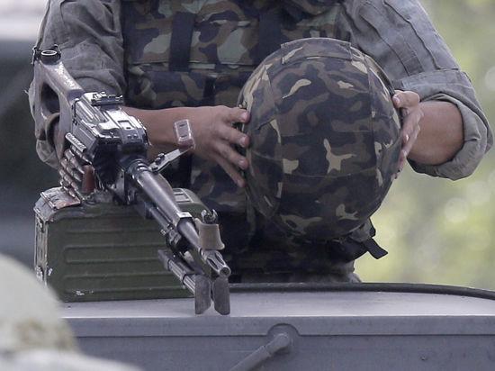 В Луганске ополченцы взяли вторую за день воинскую часть - теперь пограничников
