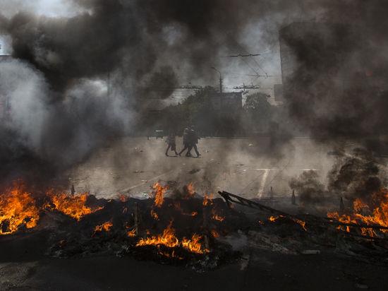 Обострение ситуации в Донбассе: на Луганщине вводят военное положение, под Донецком идут бои