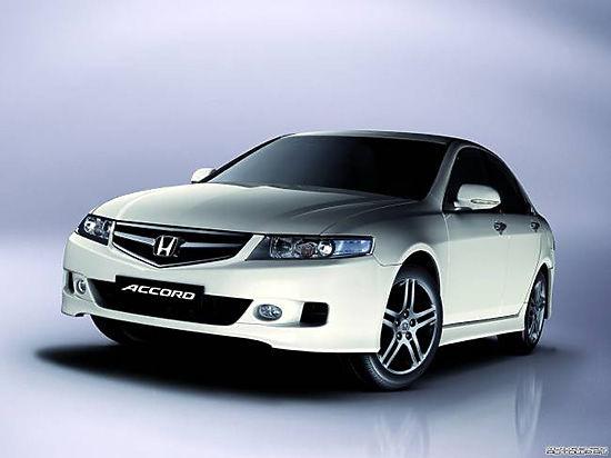 Бестселлеры бизнесс класса и премиум сегмента — Honda Civic и Honda Accord