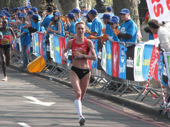 Трехкратная победительница Чикагского марафона из России дисквалифицирована за допинг