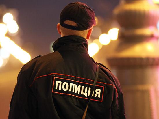 В московском метро полицейский сначала оштрафовал, а потом склонил к сексу пассажирку