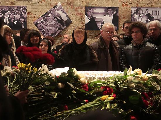 «Ни разу не сдал». Как хоронили Бориса Немцова