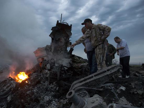 Деньги с карт жертв авиакатастрофы «Боинга» украла сотрудница банка