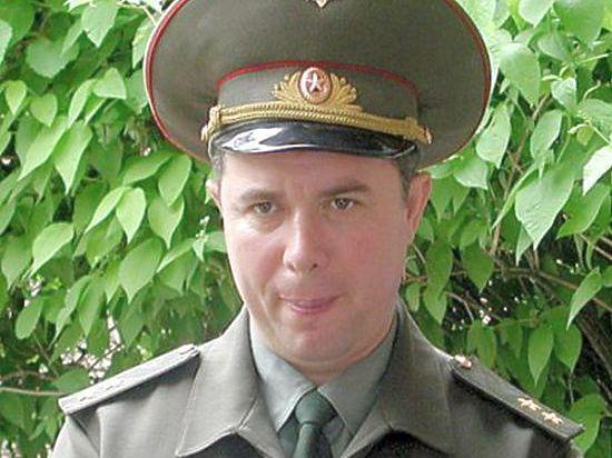 После обыска в квартире Хризмана в Подмосковье, он был привезен на допрос в Следственный комитет России, где взят под стражу