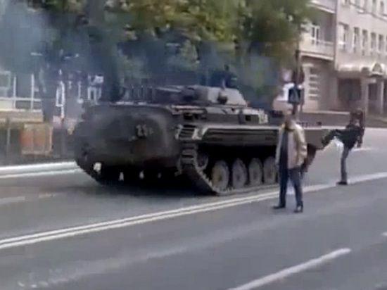Референдум в Донецкой области начался досрочно: ополченцы ожидают начала спецоперации силовиков. Онлайн-трансляция