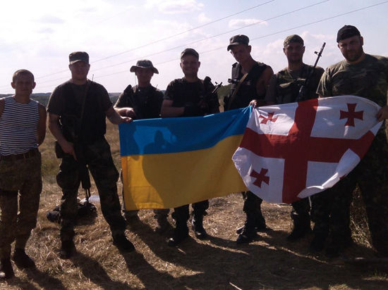 Что делают грузины в окопах Донбасса?