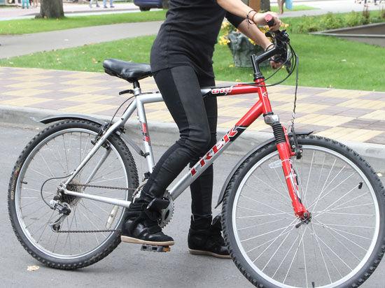 В Москве в дорожной пробке попытались изнасиловать велосипедистку