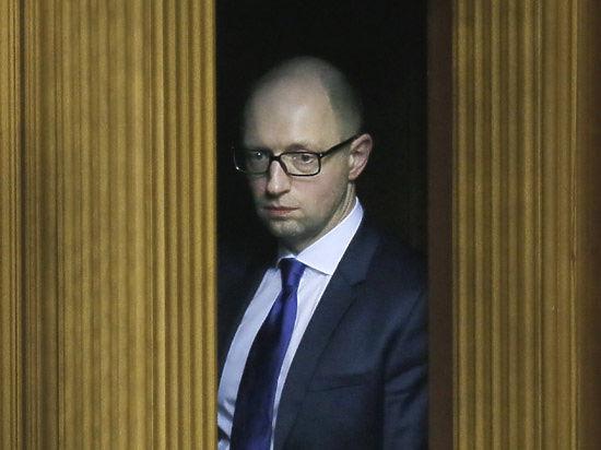 Яценюк опять грозит уйти в отставку