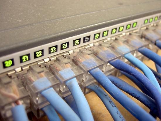Внутренний интернет-трафик России неким загадочным образом проходит через китайские маршрутизаторы