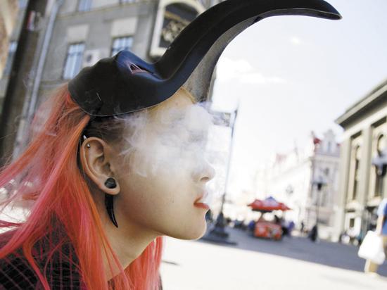 Знаменитую московскую улицу делают зоной, свободной от курения