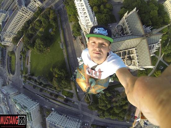 Украинский спортсмен Mustang Wanted признался, что раскрасил звезду на здании в Москве: «Обменяйте меня на Савченко»