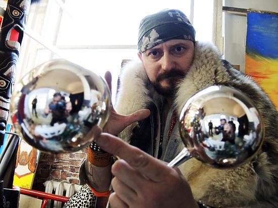 Почему новогодние игрушки для россиян изготавливаются в Поднебесной