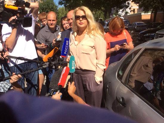Васильеву потрясли события на Украине. Она нарисовала картину про сбитый