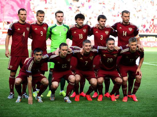 После провала на ЧМ-2014 сборная России потеряла четыре позиции в рейтинге FIFA