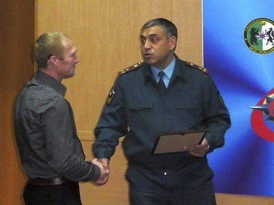 Житель Ангарска вынес из горящей соседской квартиры двоих детей