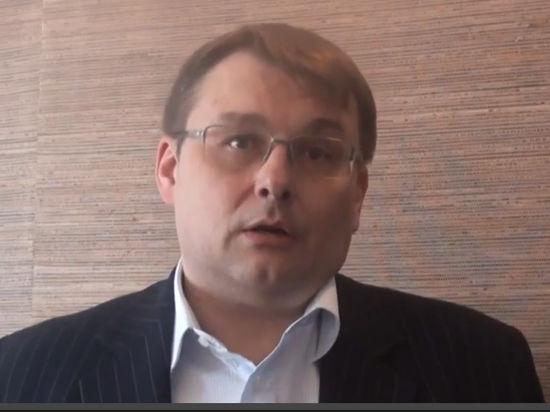 Единоросс предложил запретить принимать на госслужбу лиц с родственниками за границей