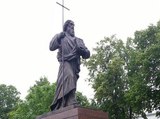 На Валааме открыли российско-украинский памятник святому Андрею Первозванному