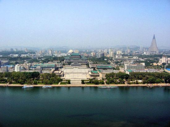 Побаиваясь Китая, Северная Корея предложила своей южной половине полноценный мир