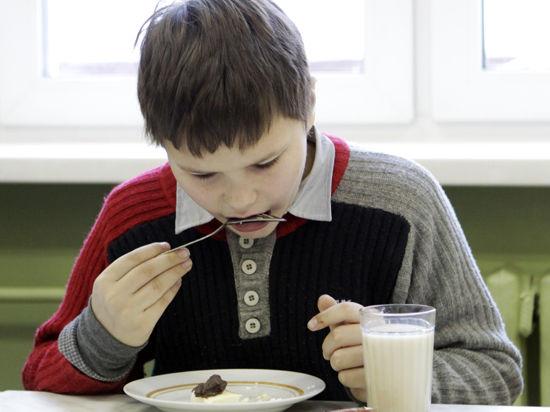 Родители смогут контролировать и обычную, и духовную пищу школьников