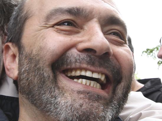 Роскомнадзор в день рождения Шендеровича заинтересовался его блогом на