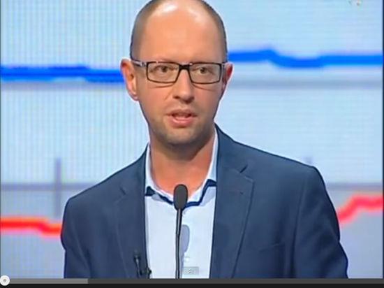 Яценюк: У нас будет практически полное ограничение торговли с Россией