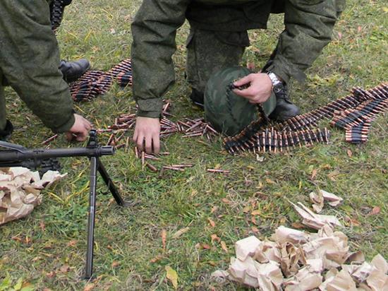 Пока в Киеве маршировали, на юго-востоке загоняли армию в «котлы»