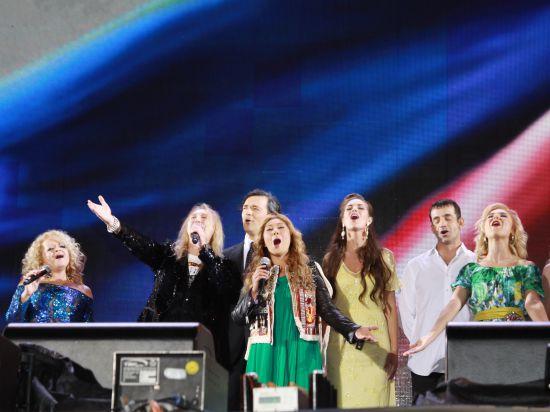 Популярные артисты и актеры признались: этим летом наконец-то почувствовали себя в Крыму как дома