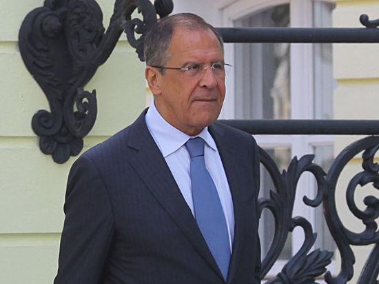 «Нужно отвести армию» – Лавров требует присутствия на переговорах по Украине представителей оппозиции