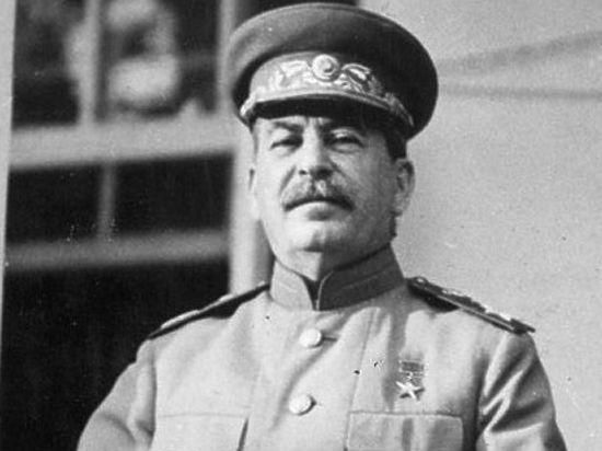 Россия снова полюбила Сталина благодаря Путину