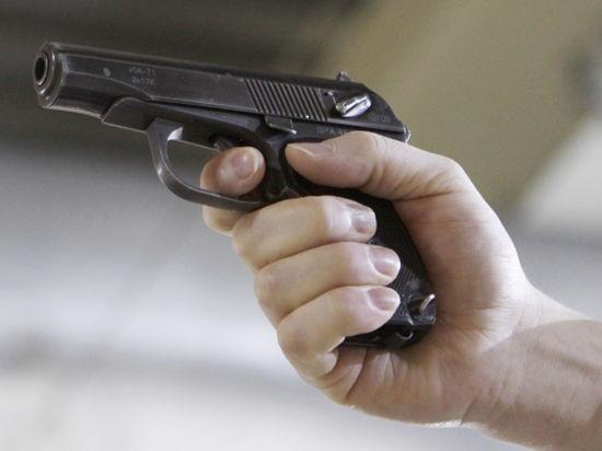 Харьков выбрали новой «горячей точкой»: мэру стреляют в сердце, фанаты избивают людей на улице