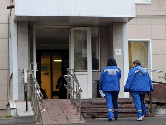 Пациента больницы в палате нашли мертвым, с ножом в груди