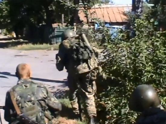 В донецком Старобешево 129 украинских солдат сдались в плен ополченцам