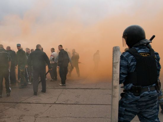 Калининград обеспокоен притоком из Польши и Литвы крепких молодых мужчин - возможно, готовят Майдан