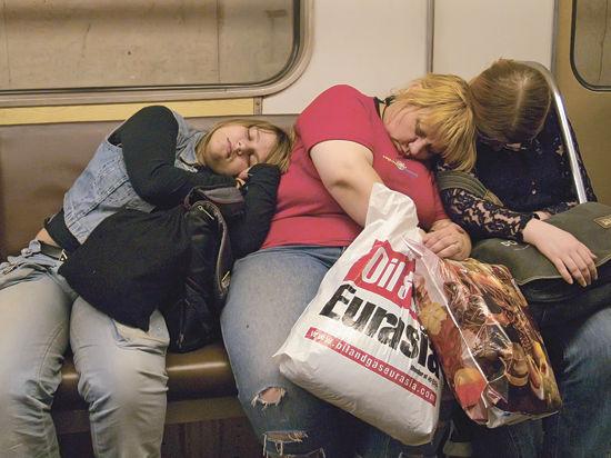 Руководство подземки не хочет перевозить припозднившихся пассажиров