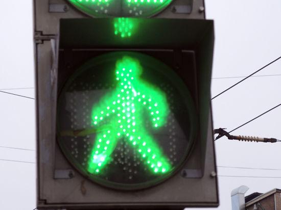 Светофоры научатся ждать пешеходов