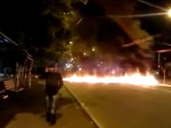 Ополченцев выбили из горсовета Мариуполя газовой атакой