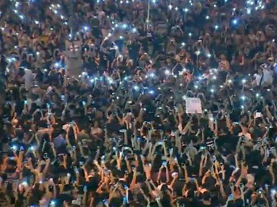 Десятки демонстрантов арестованы, но протесты продолжаются
