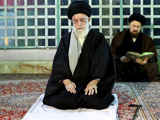 СМИ: аятолла Хаменеи при смерти, он экстренно госпитализирован