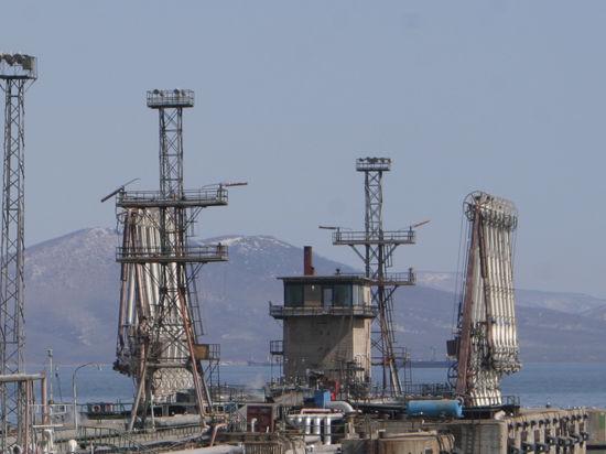 Экс-глава ЦРУ Вулси предлагает наказать Россию снижением цен на нефть