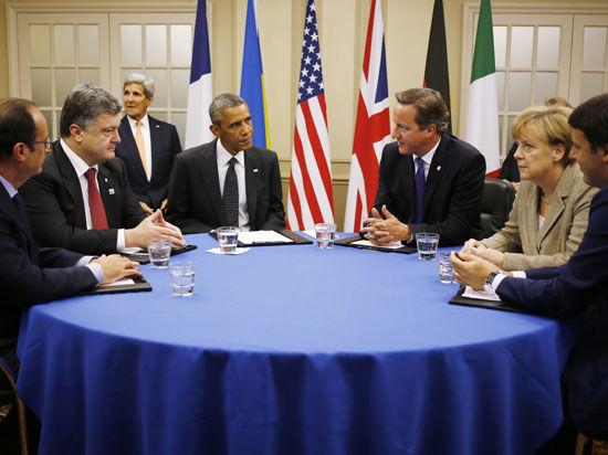 НАТО: Россия, ведя на Украине «гибридную войну», грозит Прибалтике