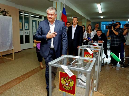 Аксенов попал  в «десятку», а Константинов проголосовал с музыкантами
