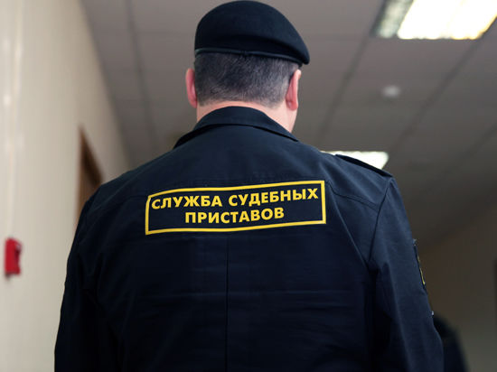 На крайние меры пошли в Управлении делами Президента РФ, чтобы освободить казенные квартиры