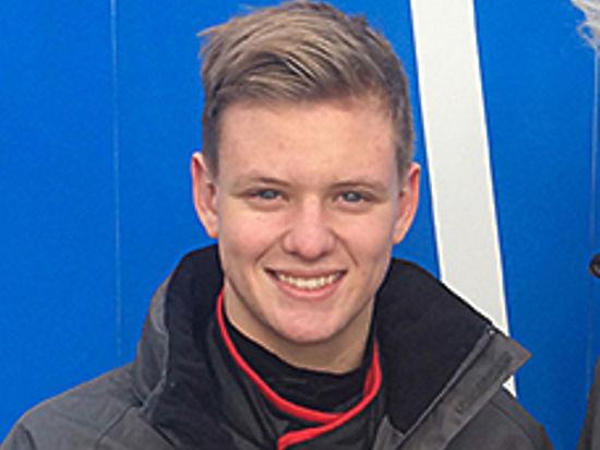 Фритс ван Амерсфорт: «Сын Шумахера — очень способный гонщик, мы ждем от него успешного сезона в «Формуле-4»