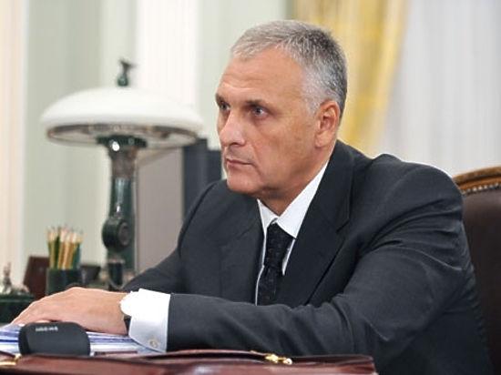 Губернатор Сахалина Хорошавин рассказал, откуда у него бриллиантовая ручка
