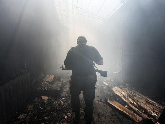 Порошенко объявил о прекращении огня в Донбассе после разговора с Путиным