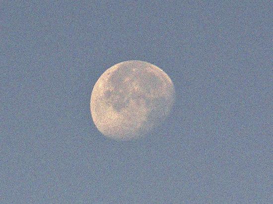 Зачем американцы посылают банку на Луну