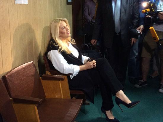 Евгения Васильева пишет сценарий к мюзиклу. Ей на полгода продлили домашний арест